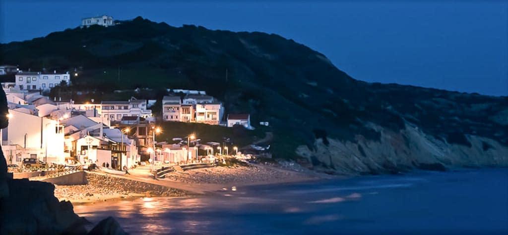 salema-town-night